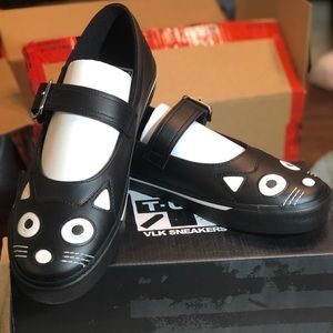 T.U.K. Black kitty face Mary Jane flats with Cats!